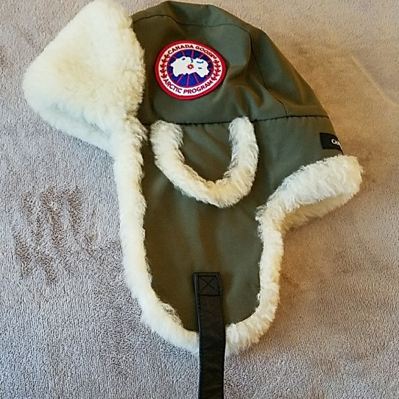 Canada Goose shearling aviator hat military green